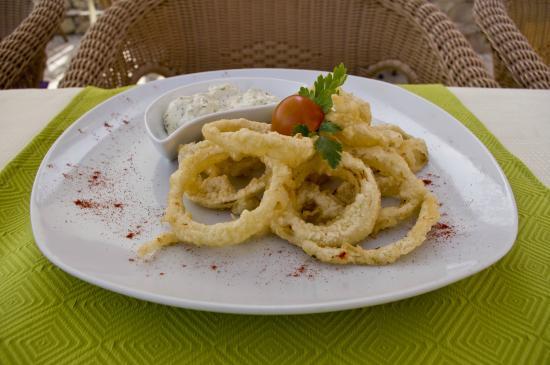 Luigi: Fried onion rings