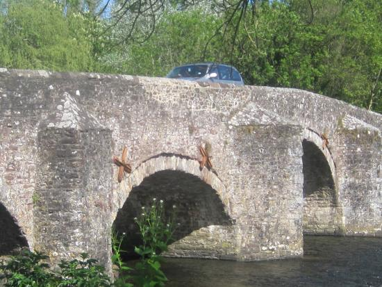 The Fisherman's Cot: Bickleigh Bridge
