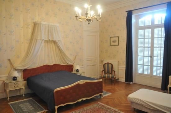 Chateau le corvier b b vouzon france voir les tarifs for Prix chambre chateau vallery
