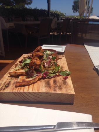 Pura Vida: Beautiful setting, wonderful food