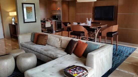 Hotel32 at Monte Carlo: Living/Dining area with TV in dining area