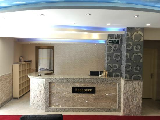 Saturn Otel: reception