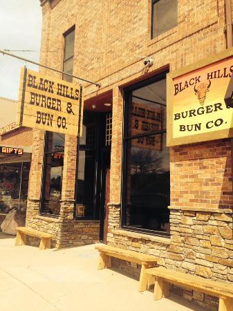 Black Hills Burger and Bun Co.: New location at 441 Mt. Rushmore Road