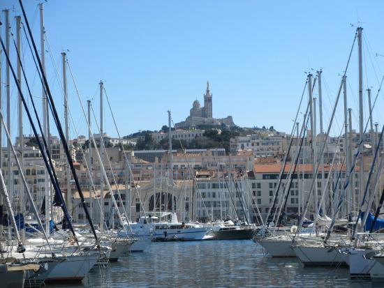 L 39 ombri re de norman foster photo de vieux port - Promenade bateau marseille vieux port ...