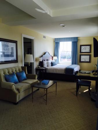 Lobby chandelier foto di hotel settles big spring tripadvisor