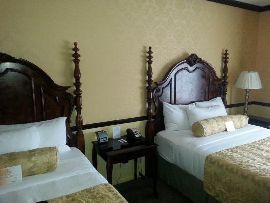 Ayres Suites Yorba Linda : Comfy beds