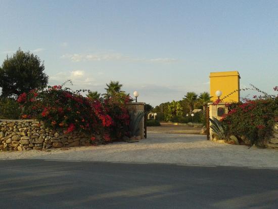 Villaggio Egad: Ingresso villaggio