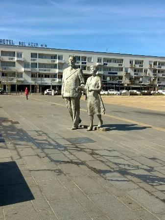 Monument Yvonne et Charles De Gaulle
