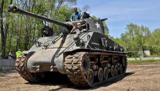 Drive A Tank >> Driving Sherman Tank Drive A Tank Kasota Mn Picture Of