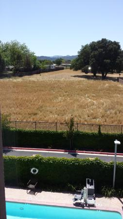 Holiday Inn Express Hotel & Suites Atascadero : View from 3rd floor, west-facing room.  They are building houses back there now, just to the rig