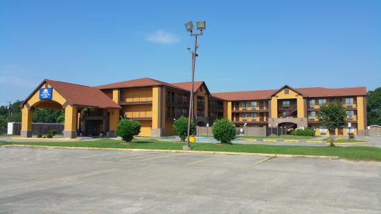 Americas Best Value Inn & Suites - Lafayette North/I-10 : EXTERIOR