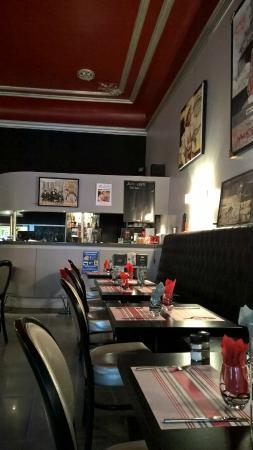 Le baroque cafe : La salle
