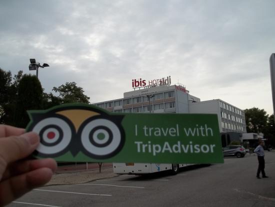 Ibis Cavaillon Luberon : Hotel building
