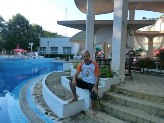Bellevue Hotel: Вид на бассейн