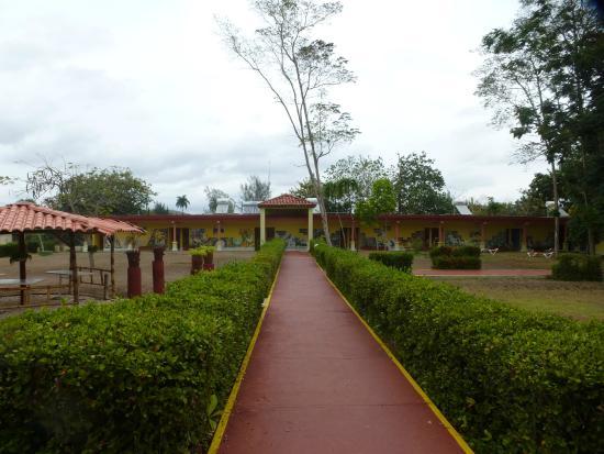 Islazul Villa El Bosque: Part of the buildings with the rooms