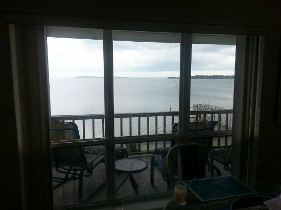 Seahorse Landing: Dining and Living room have wide windows to take in the view
