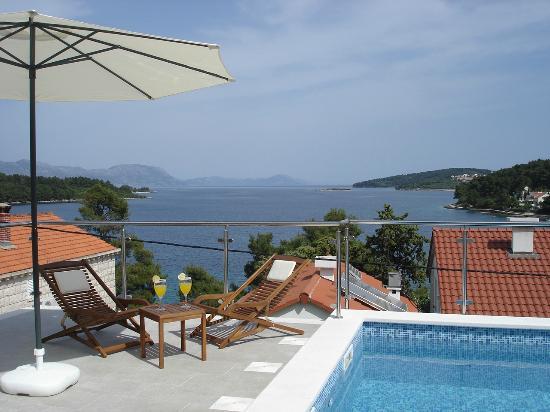 Apartments Danijela: swimming pool