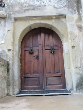 Bran Castle (Dracula\u0027s Castle) Doors to castle & Doors to castle - Picture of Bran Castle (Dracula\u0027s Castle) Bran ...