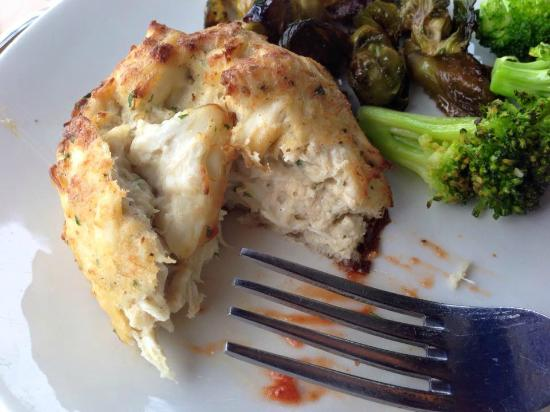 RockBass Grill: A perfect Crab Cake.