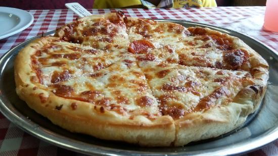 The Original Stavros Pizza House: Pepperoni Pizza