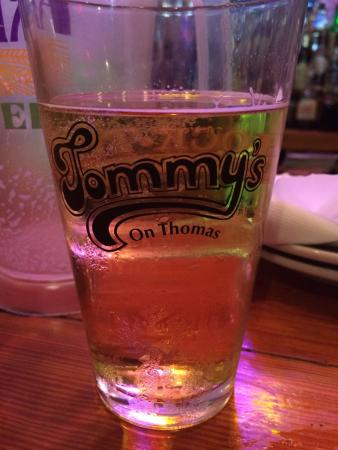 Tommy's on Thomas: Great bar...