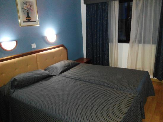 Hotel Dos Anjos : Habitación
