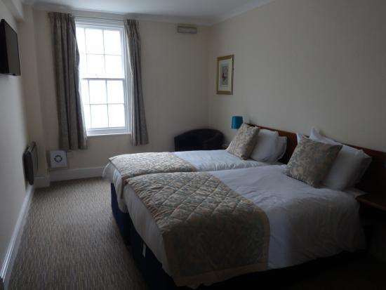 City Lodge: amplia habitación