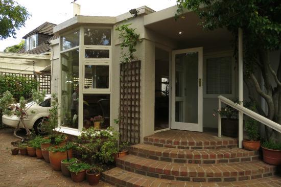 Jaqui's Garden Guesthouse: Eingangsbereich