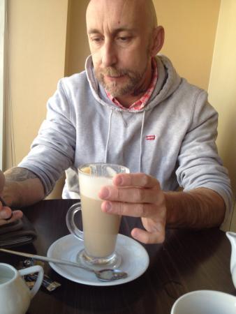The Ham Bone Brasserie & Deli: Great place to eat