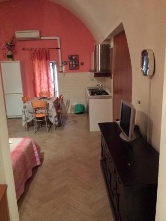 Camera con Cucina - Foto di Le Scalette, Terracina - TripAdvisor