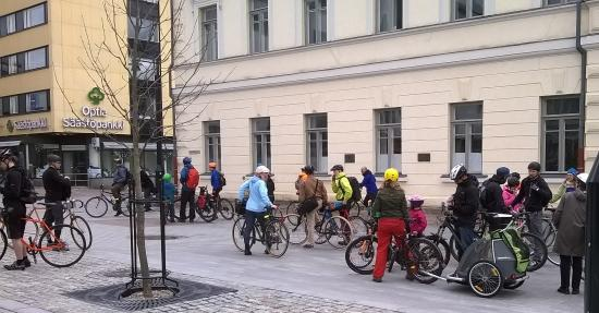 Kuopio-Hotel Jahtihovi: Very healthy nation....lots of people cycling, walking