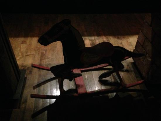 Brave Horse Tavern: Brave Horse