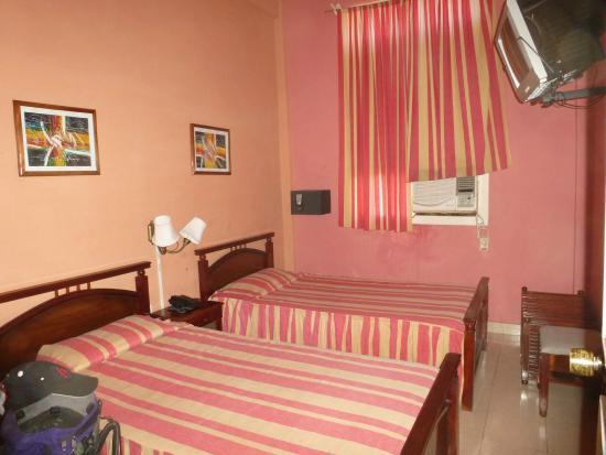 Hotel Isla de Cuba : The room