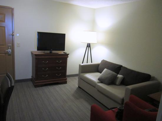 "Country Inn & Suites by Radisson, Lehighton (Jim Thorpe), PA: The suite's ""living room"""