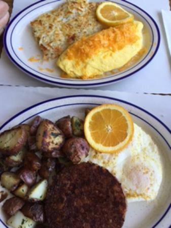 Gilda's Family Restaurant: Omelet plate, corned beef hash and eggs plate
