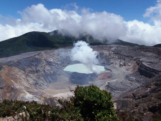 Tours Paradise - Day Tours: Poas Volcano National Park, Costa Rica
