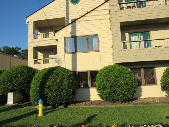 Quality Inn & Suites at Dollywood Lane: Private Balcony