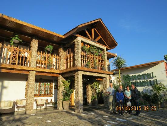 Fachada y entrada de Hotel Boutique Vendimia Premium