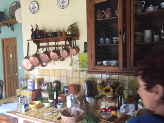 Cooking and Art de Vivre in Provence : Beautiful French kitchen