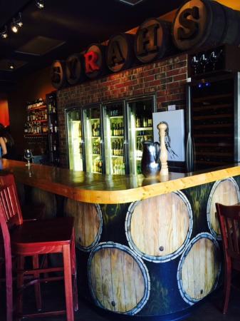 Syrahs of Jasper: Lovely Bar: Photo by Karen Henrich