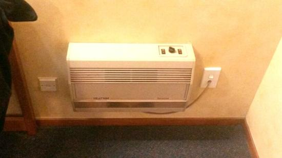 Grosvenor Motor Inn: Heater not working
