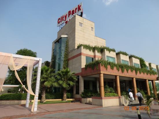 Vneshnij Vid Picture Of Hotel City Park Airport New Delhi