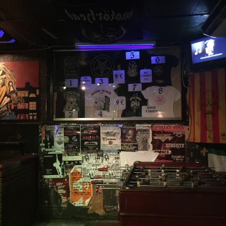Golden Gloves Hard Rock Pub