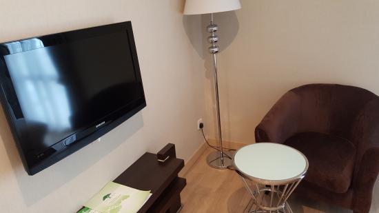 Pergola Hotel: TV