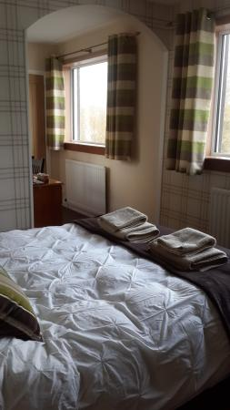 Ardmorn Holiday Accommodation: the room