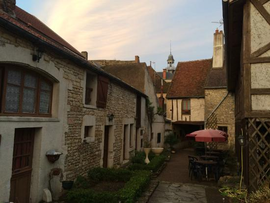 Le Relais Fleuri : Sunset before Dinner.