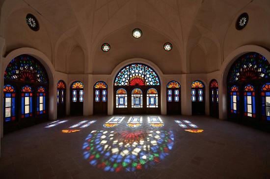 Kashan, Iran: Dance of colours