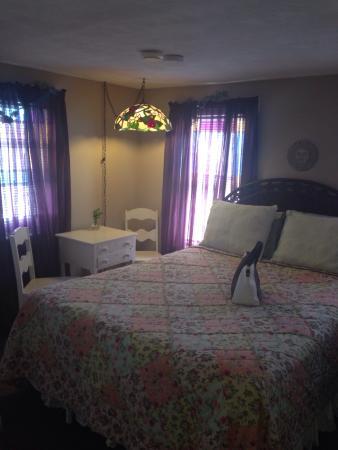Island Guest House Bed and Breakfast Inn: photo2.jpg