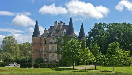 Chateau d'Apigne : View from grounds