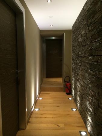 Hotel restaurant auberge du Tuye : Le couloir rénové